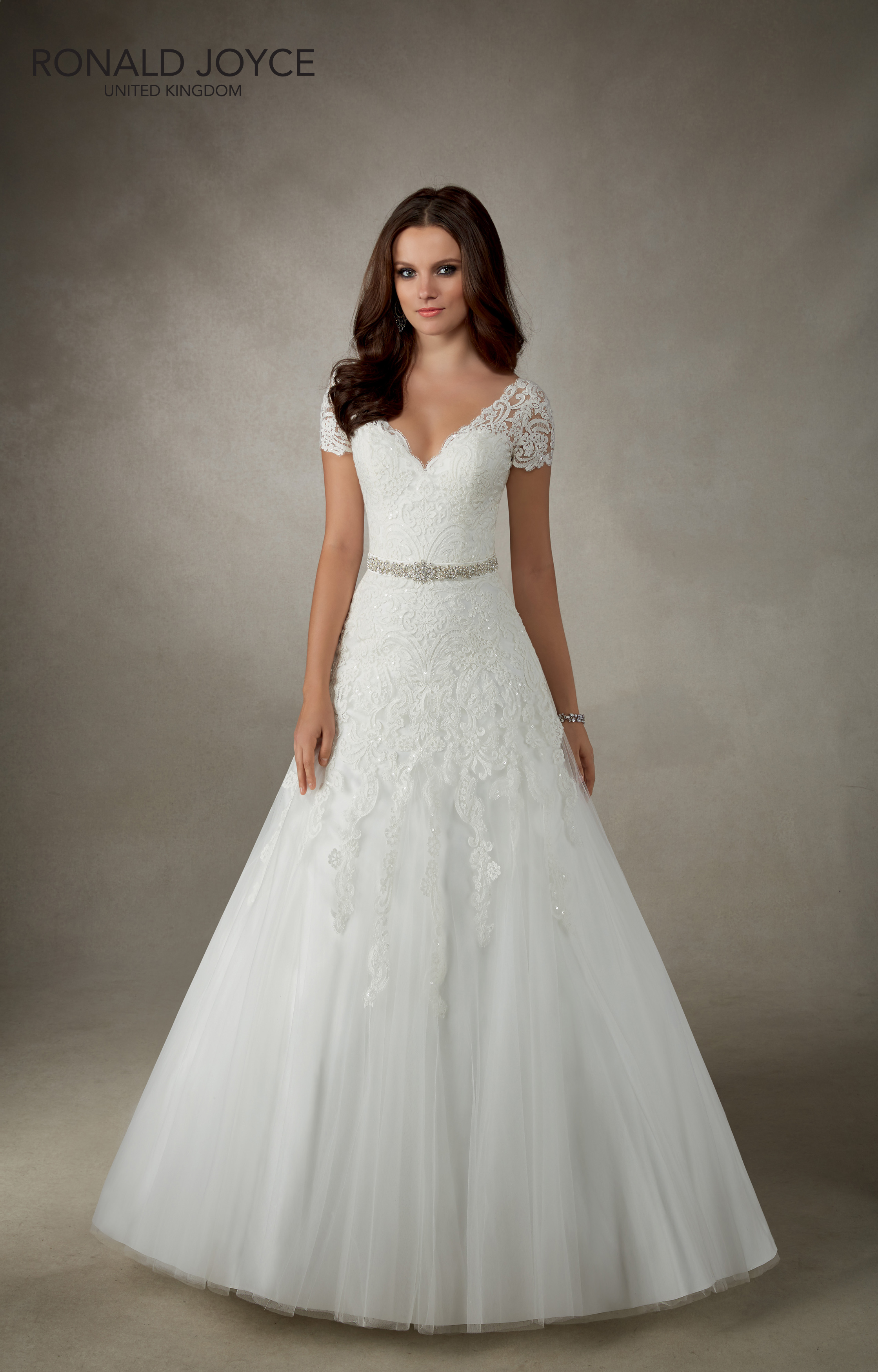 Amira 69121 Ivory lace size 24 wedding dress with small sleeve