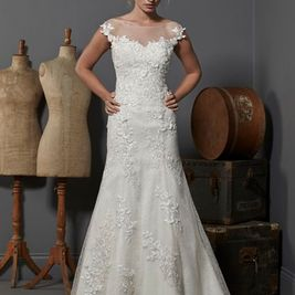 Oxford ivory size 12 lace high illusion neck wedding dress.