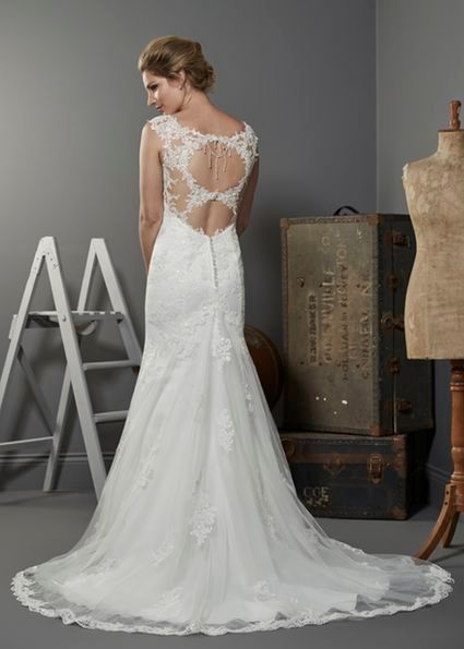 Dallas Ivory 12 in fit and flare lace