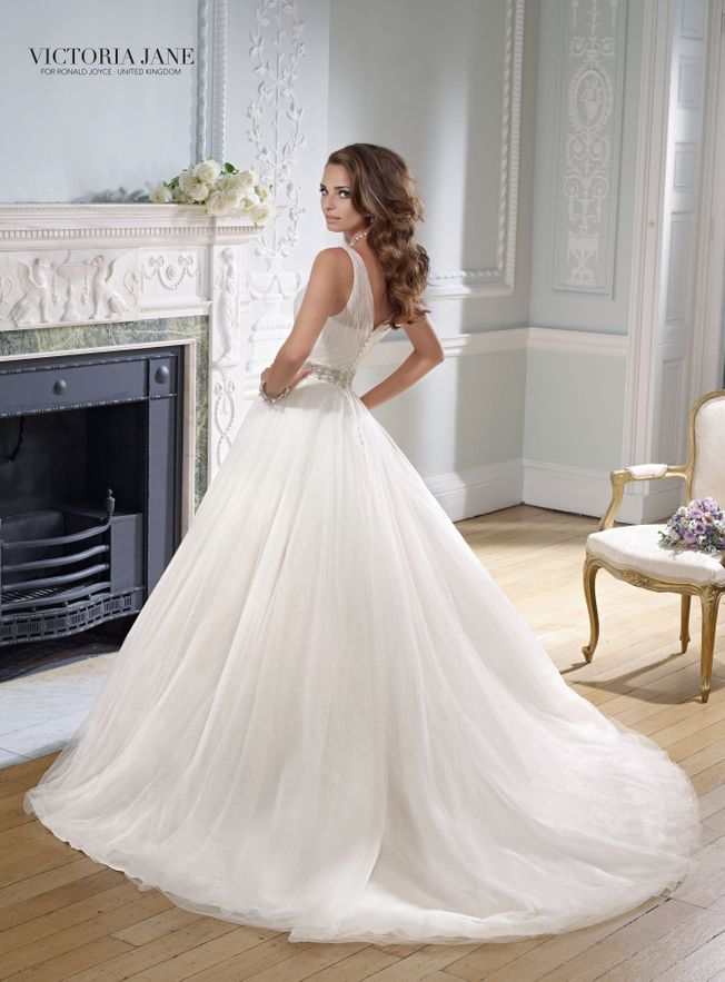 Gloria 17719 Ivory Tulle size 14 wedding dress
